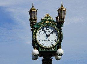 clock-1081437_1920